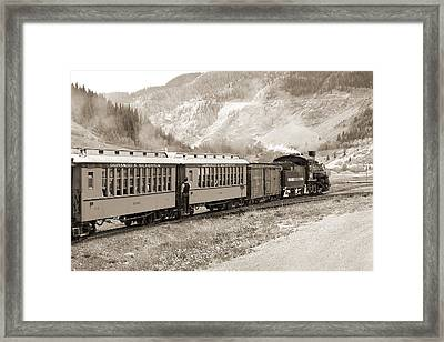 The D And S Into The Mountains Framed Print by Mike McGlothlen