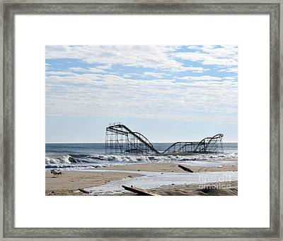 The Jetstar Framed Print by Sami Martin