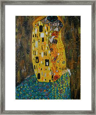The Kiss Framed Print by Hannah Curran