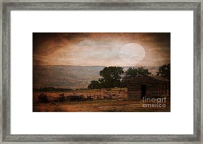 The Old Homestead In Wyoming Framed Print by Janice Rae Pariza