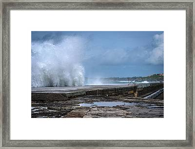 Framed Print featuring the photograph The Wave by Thierry Bouriat