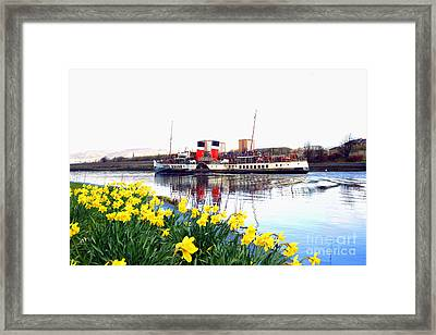 The Waverley Sails Down The River Clyde. Framed Print by David Cairns