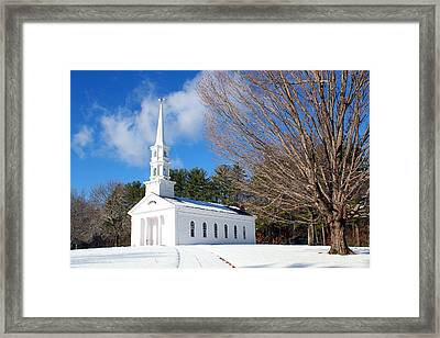The White Chapel Framed Print by Roberto De Souza