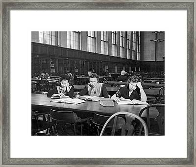 Three Moscow University Foreign Exchange Students At Columbia Un Framed Print by Underwood Archives
