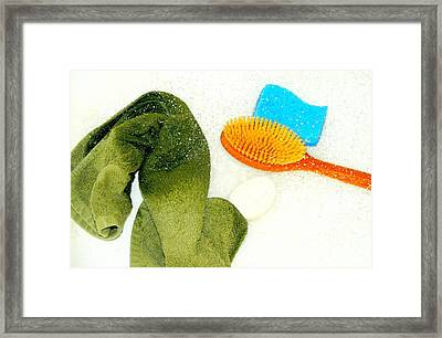 Throwing In The Towel Framed Print by Diana Angstadt