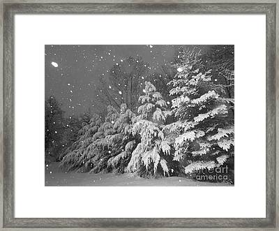 Time For Bed Framed Print by Elizabeth Dow