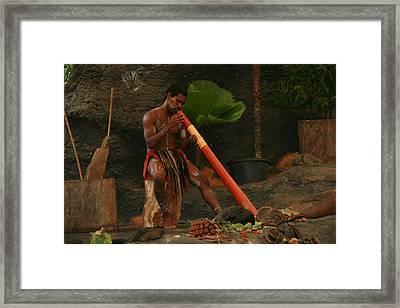 Tjapukai Playing The Didgeridoo Framed Print by Cecelia Helwig