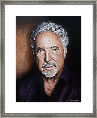 Tom Jones The Voice Framed Print by Andrew Read
