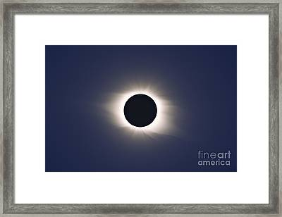 Total Eclipse Of Sun Framed Print by Alan Dyer