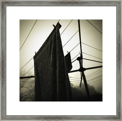 Towels  Framed Print by Les Cunliffe