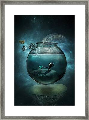 Underwater Diva Framed Print featuring the photograph Two Lost Souls by Erik Brede