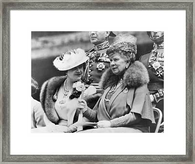 Two Queens Chatting Framed Print by Underwood Archives
