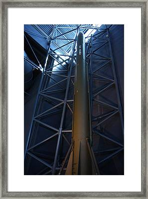 Udvar-hazy Center - Smithsonian National Air And Space Museum Annex - 121257 Framed Print by DC Photographer