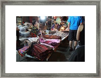 Vendors - Night Street Market - Chiang Mai Thailand - 01132 Framed Print by DC Photographer