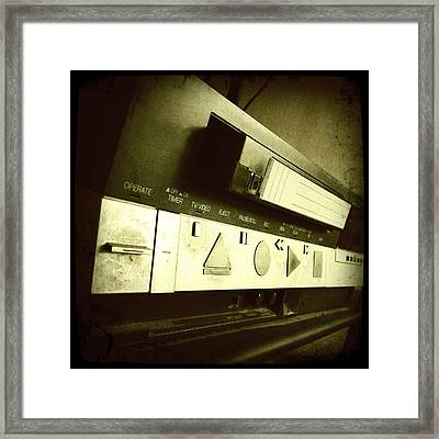Video Recorder Framed Print by Les Cunliffe