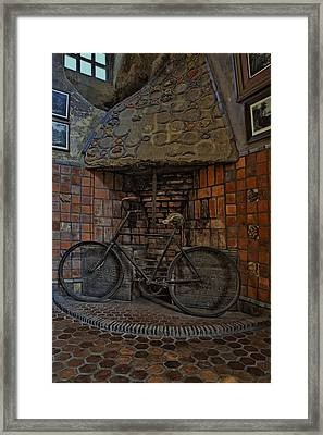 Vintage Bicycle Framed Print by Susan Candelario