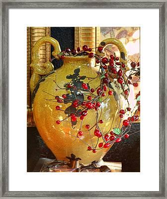 Vintage Ceramic Urn Framed Print by Linda Phelps