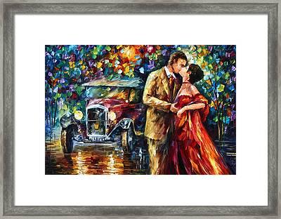 Vintage Kiss Framed Print by Leonid Afremov