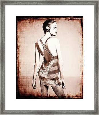 Vintage Twiggy Framed Print by Sue Rosen