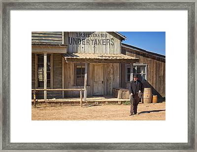 Waiting For High Noon Framed Print by Mary Lee Dereske
