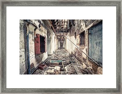 Walk Of Death - Abandoned Asylum Framed Print by Gary Heller
