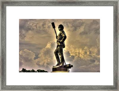 War Thunder - The Clouds Of War 1b - 4th New York Independent Battery Above Devils Den Gettysburg Framed Print by Michael Mazaika