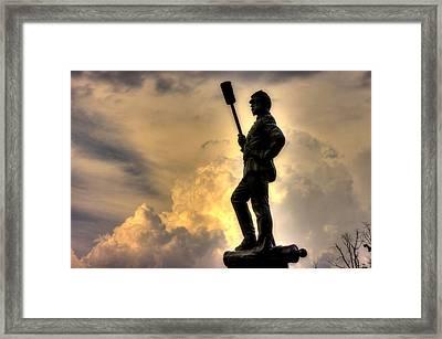 War Thunder - The Clouds Of War - 4th New York Independent Battery Near Devils Den Gettysburg Framed Print by Michael Mazaika