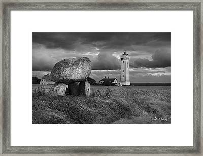 Where Ghosts Whisper Framed Print by Robert Lacy