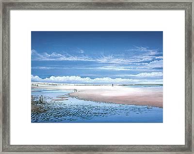 Winchelsea Beach Framed Print by Steve Crisp