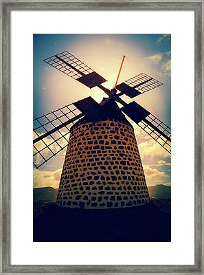 Windmill At Sunset Framed Print by Wladimir Bulgar