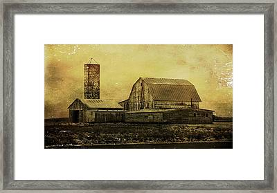 Winter On The Farm Framed Print by Dan Sproul
