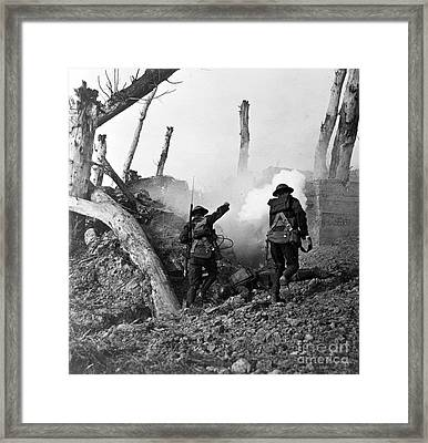 Wwi American Soldiers  Framed Print by Photo Researchers