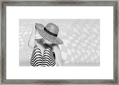 Zig The Zag Framed Print by Howard Ashton-jones
