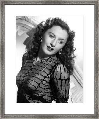 Barbara Stanwyck, Paramount Pictures Framed Print by Everett