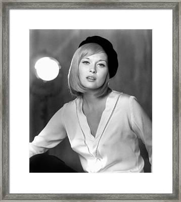 Faye Dunaway (1941- ) Framed Print by Granger