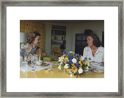 First Lady Betty Ford And Happy Framed Print by Everett