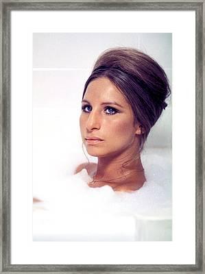 Whats Up, Doc, Barbra Streisand, 1972 Framed Print by Everett