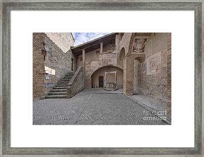 Palazzo Comunale Framed Print by Rob Tilley