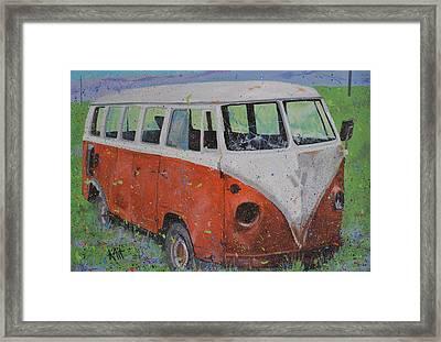 63 Vw Type 2  Bus Framed Print by Les Katt