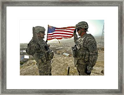 A Commander Re-enlists Master Sergeant Framed Print by Stocktrek Images