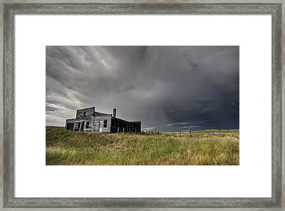 Abandoned Farmhouse Saskatchewan Canada Framed Print by Mark Duffy