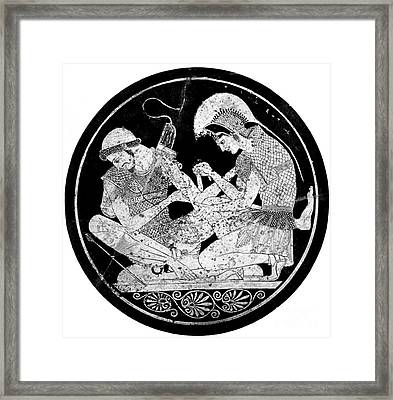 Achilles Tending Patroclus Wounds Framed Print by Photo Researchers