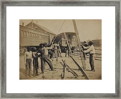 African American Work Crew In Northern Framed Print by Everett
