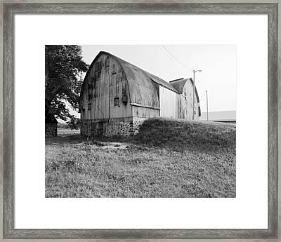 Aluminum Gotic Arch Barn Framed Print by Jan Faul