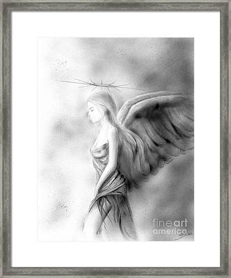 Amistad Framed Print by Guillermo Padilla