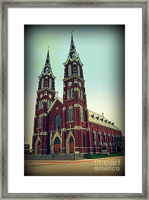 Basilica Of St.francis Xavier In Dyersville Iowa Framed Print by Susanne Van Hulst