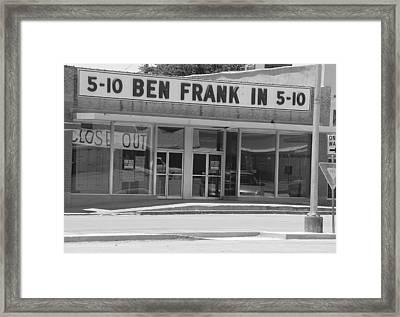 Ben Franklin Says Goodbye - Bw Framed Print by Elizabeth Sullivan