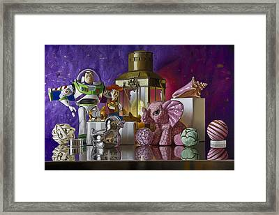 Buzz With Pink Elephant Framed Print by Tony Chimento