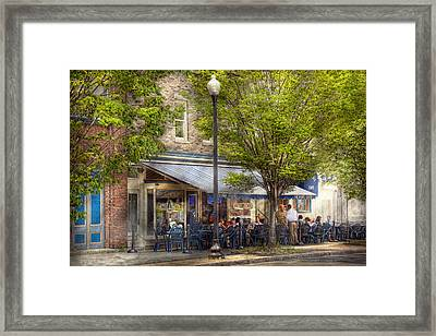 Cafe - Albany Ny - Victory Cafe Framed Print by Mike Savad