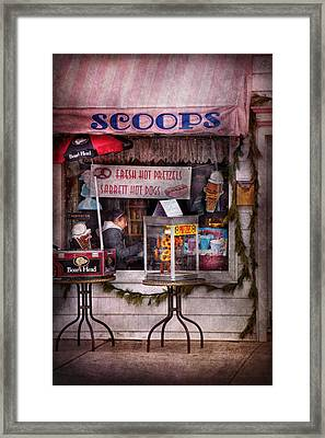 Cafe - Clinton Nj - The Luncheonette  Framed Print by Mike Savad